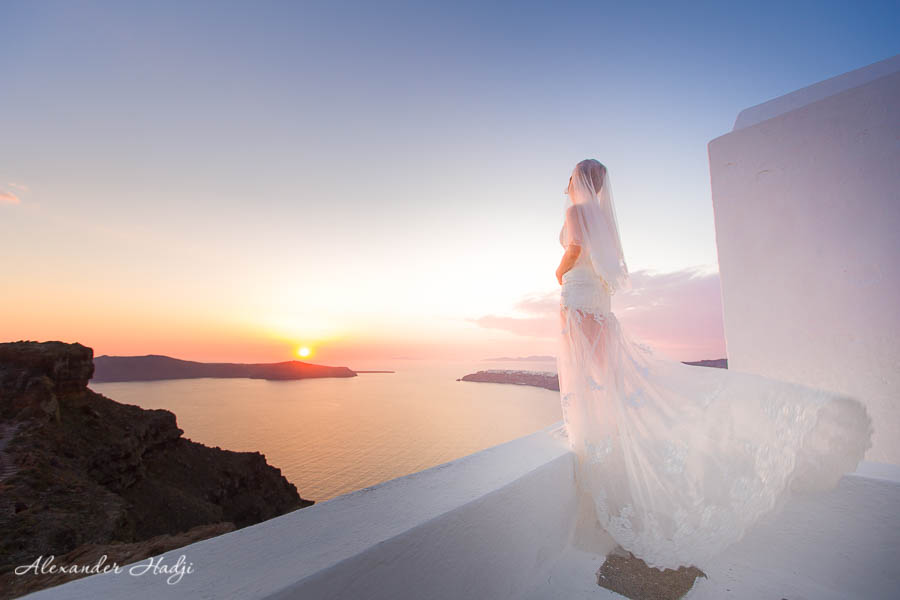 photographer in santorini alexander hadji