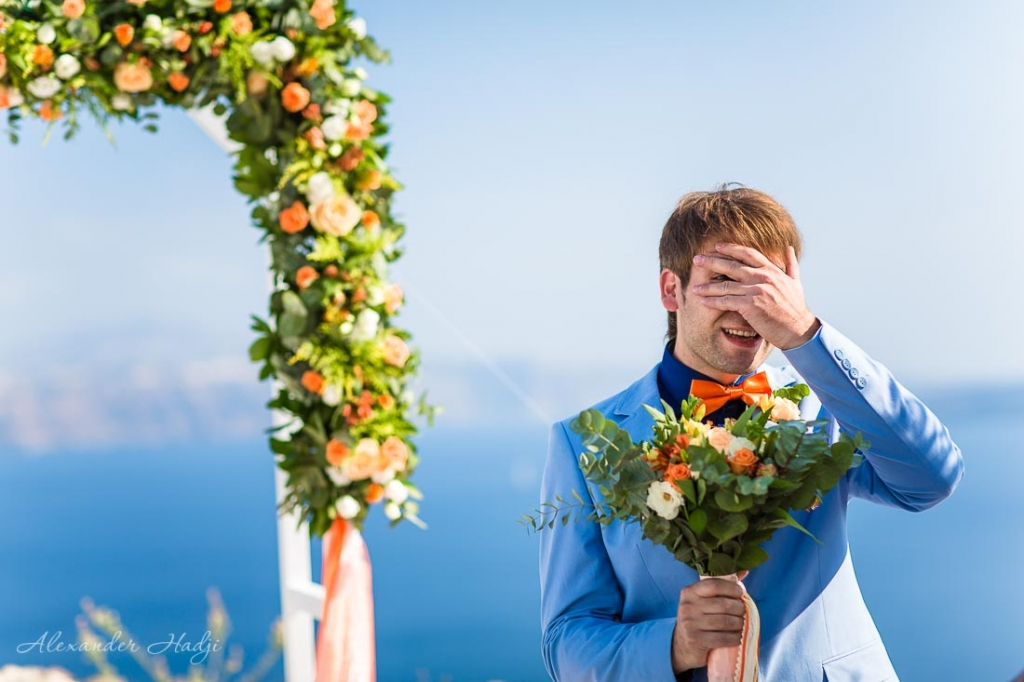 Santorini wedding photography groom's waiting