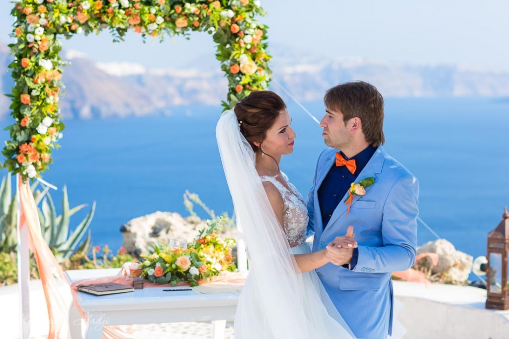 Santorini wedding photography ceremony