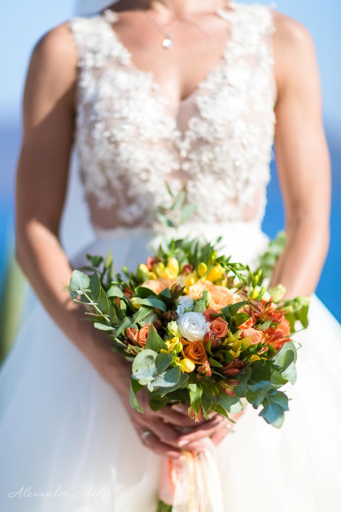Santorini wedding photographer bridal bouquet