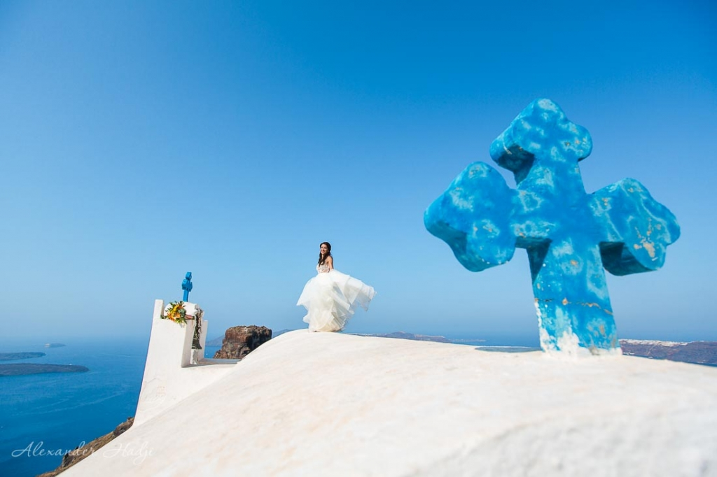 Santorini wedding photo shoot white roofs
