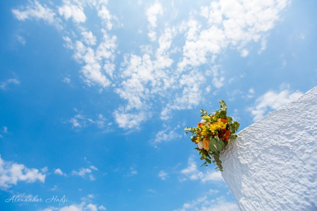 Santorini wedding photography bridal bouquet