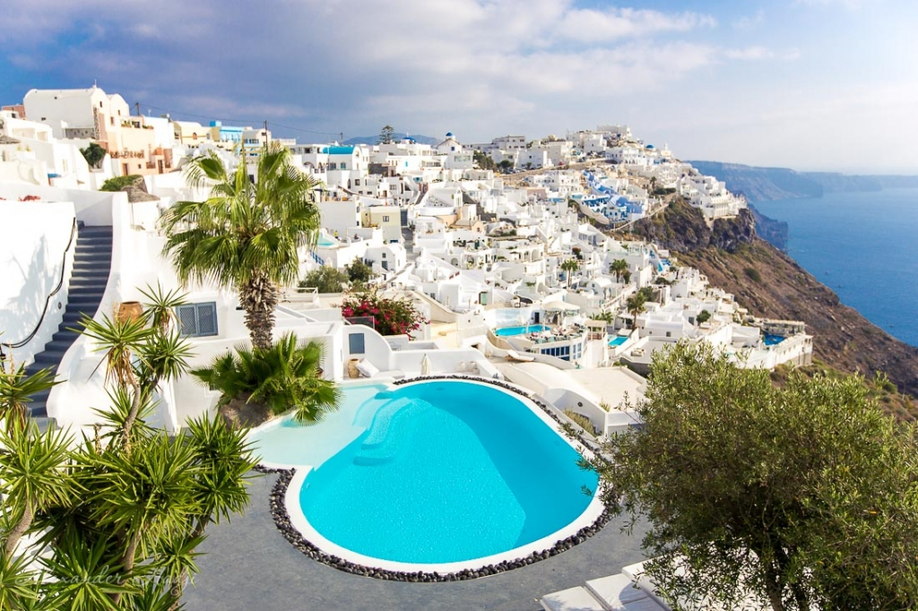 Santorini hotel with a poll