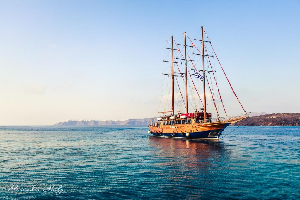 Santorini things to do sunset cruise