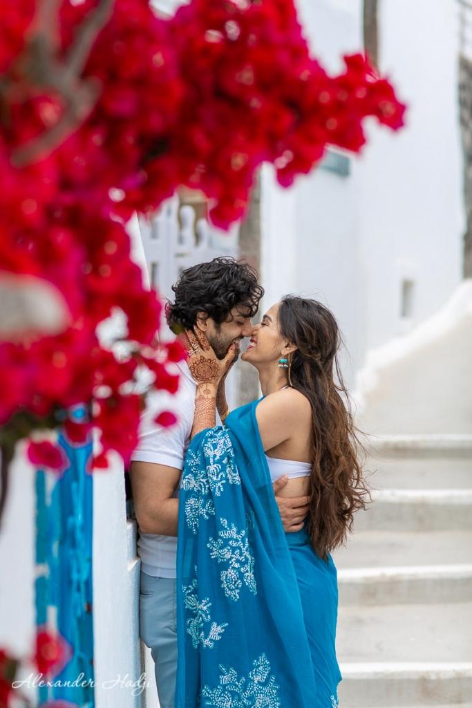 Santorini honeymoon photographer