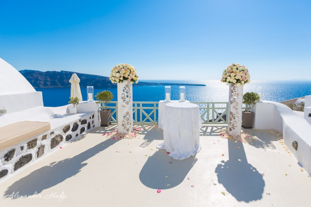 Santorini wedding photoshoot Fanari Villas