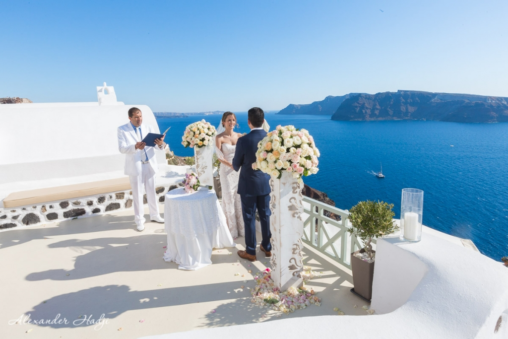 Santorini wedding photoshoot vows