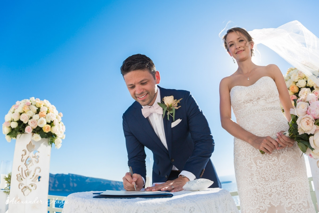 Santorini wedding photoshoot signatures