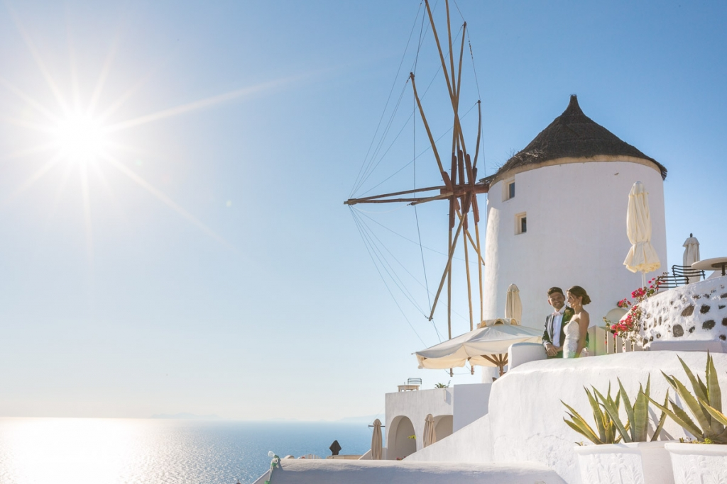 Santorini wedding photoshoot sunset