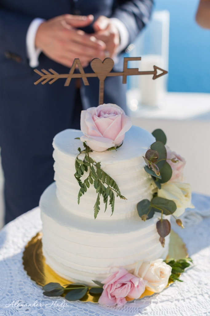Santorini wedding photoshoot wedding cake