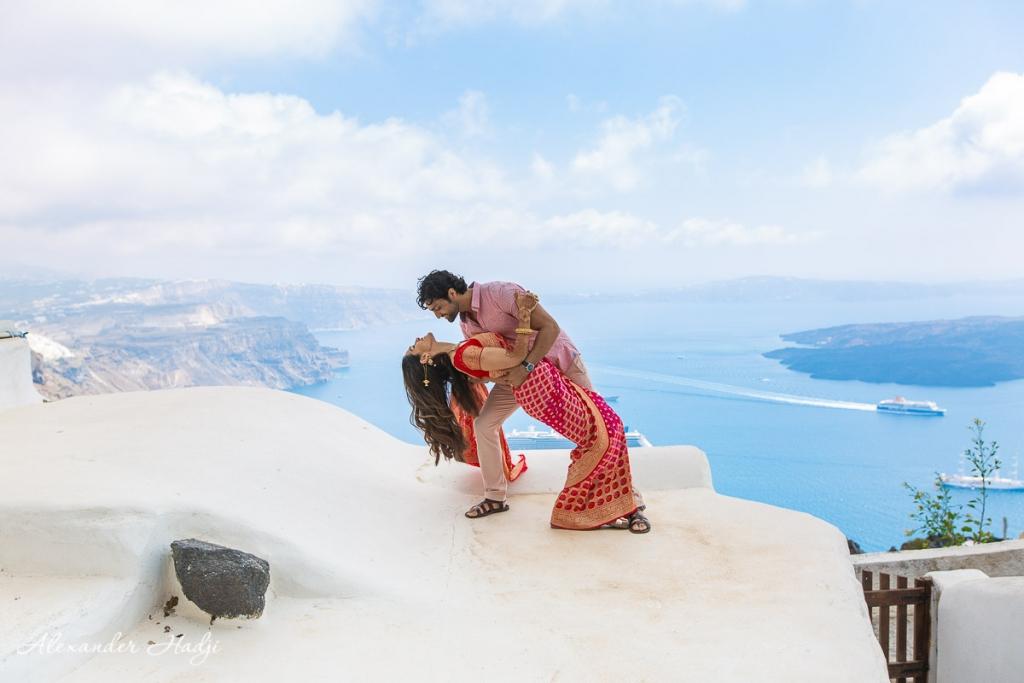 Santorini couple photographer
