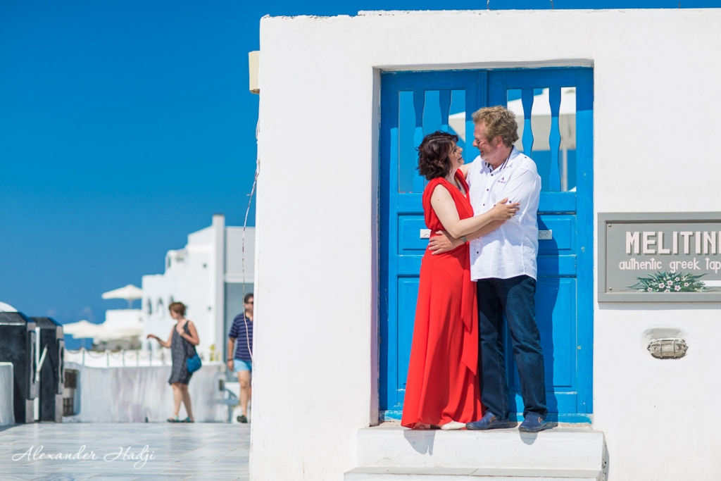 Santorini wedding anniversary photo shoot