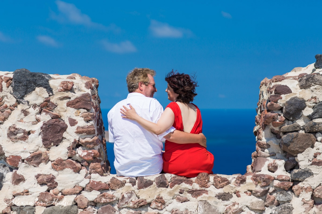 Santorini wedding anniversary photoshoot