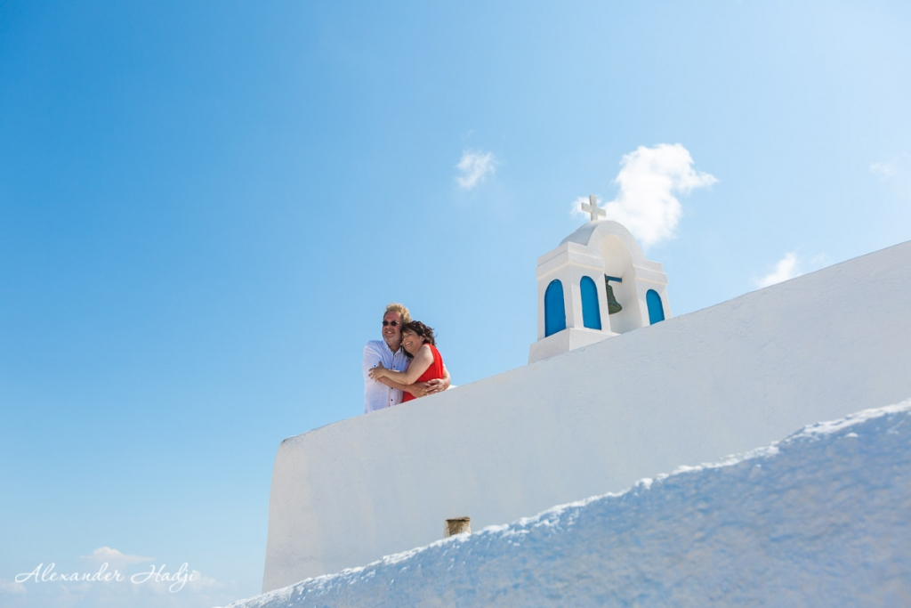 Santorini wedding anniversary photosession