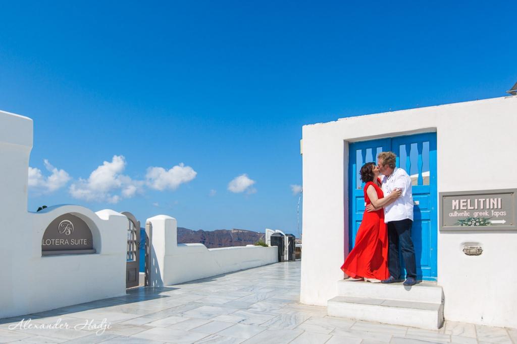Santorini wedding anniversary photoshoot