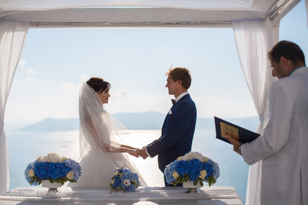 Santorini wedding photo and video